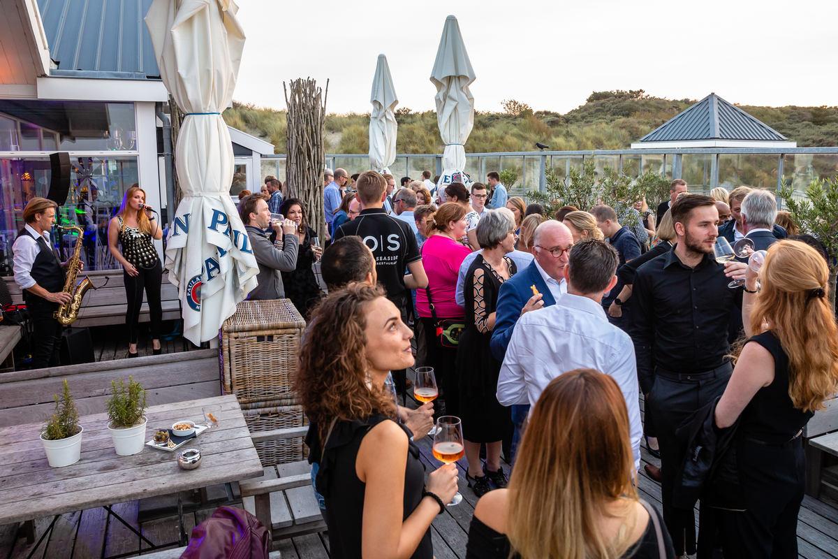 Beachclub diner en feest